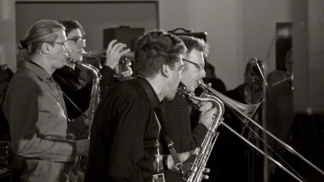 Fun Horns 6