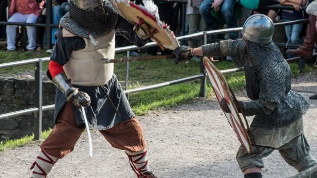 8.Mittelaltermarkt auf der Wasserburg in Heldrungen